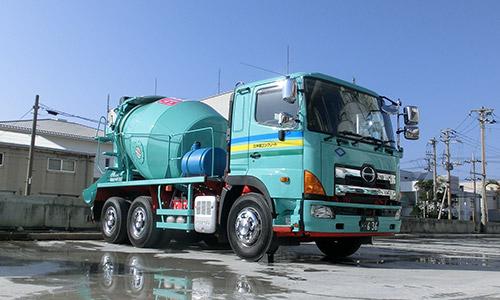 トラックアジテータ車(ミキサー車)導入